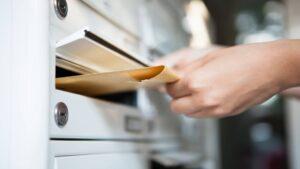 usługi pocztowe