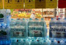 woda mineralna w sklepie