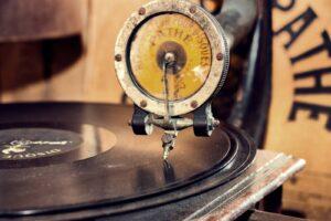 gramofon z epoki