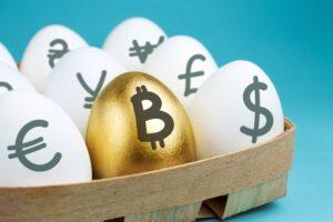Koszyk jajek z oznaczeniami walut