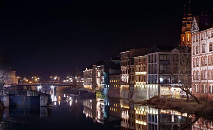 Panorama Opola nocą