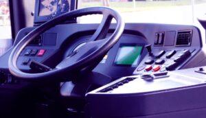Wnętrze kabiny kierowcy autobusu