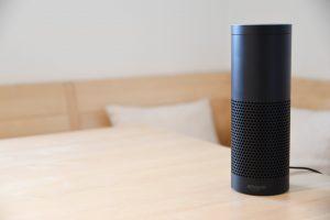 Głośnik z funkcją asystenta głosowego Amazon Echo