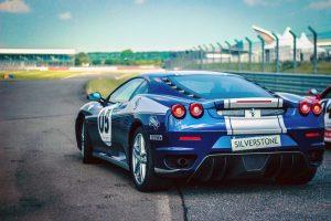 Wyścigowe Ferrari na torze