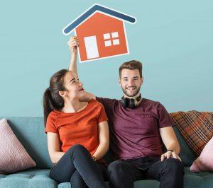 Szczęśliwa para, która wcześniej spłaciła kredyt hipoteczny