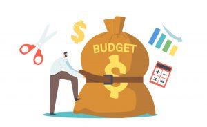 Mężczyzna próbuje dopiąć swój domowy budżet